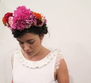 herbesfauves-fleuriste--bordeaux-wedding-mariage-fleurs-flower-florist-bouquet-couronne-colore-rose-oeillets-coiffure-salon-officine-robedemariee-eleonorepauc-vintage-weddingafterwork