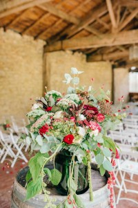 herbes-fauves-fleuriste-bordeaux-flowershop-florist-mariage-wedding-event-evenementiel-reception-bouquet-fleurs-rouge-red-rose-ceremonie-laique-accueil-amaranthe-champetre-photo-by-ledia-tashi